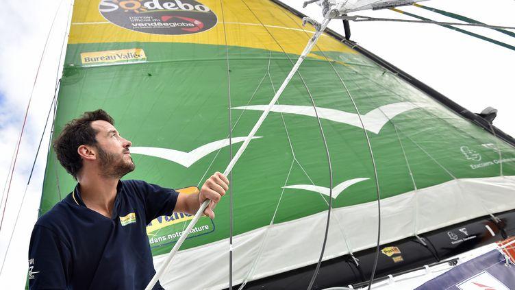 Louis Burton se prépare au Vendée Globe sur Bureau Vallée (LOIC VENANCE / AFP)