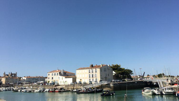 Le port de Saint-Martin de Ré, sur l'île de Ré (Charente-Maritime) le 12 juillet 2020 (DELPHINE-MARION BOULLE / FRANCE BLEU LA ROCHELLE / RADIO FRANCE)
