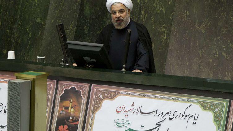 Le président iranien, Hassan Rohani, devant le Parlement, à Téhéran (Iran), le 10 novembre 2013. (MARYAM RAHMANIAN / NEWSCOM / SIPA)