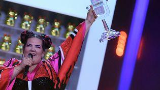 La chanteuse israélienne Netta Barzilai, victorieuse de l'Eurovision, le 12 mai 2018 à Lisbonne (Portugal). (FRANCISCO LEONG / AFP)