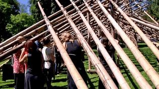 """Le """"Tunnel des amours"""" de l'artiste belge Georges Cuvillier à Annecy  (Copie d'écran France 3)"""