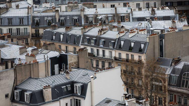 Les toits de Paris, le 29 mars 2020. Photo d'illustration. (ALEXIS SCIARD / MAXPPP)
