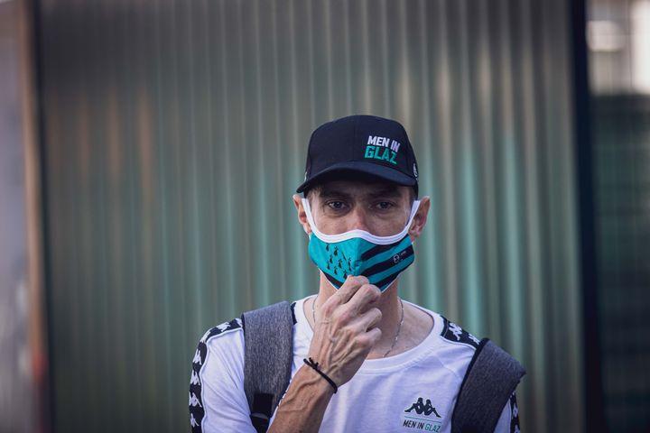 Pierre Rolland (B&B Vital Concept) avec son masque aux couleurs de son équipe. (FRANZ-RENAN JOLY)