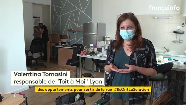 """À Lyon, l'association """"Toit à moi"""" reloge des personnes sans domicile fixe"""