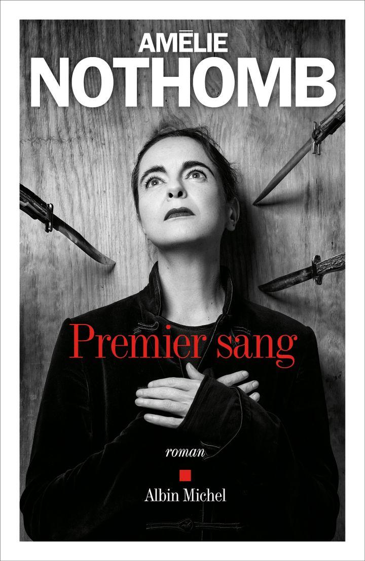 La couverture du roman d'Amélie Nothomb, Premier Sang, août 2021. (Photography agency Iconoclast Image © Jean-Baptiste Mondino)