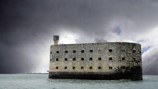 Fort Boyard, décor de l'émission télévisée du même nom, en Charente-Maritime. (CHRISTOPHE LEHENAFF / PHOTONONSTOP / AFP)