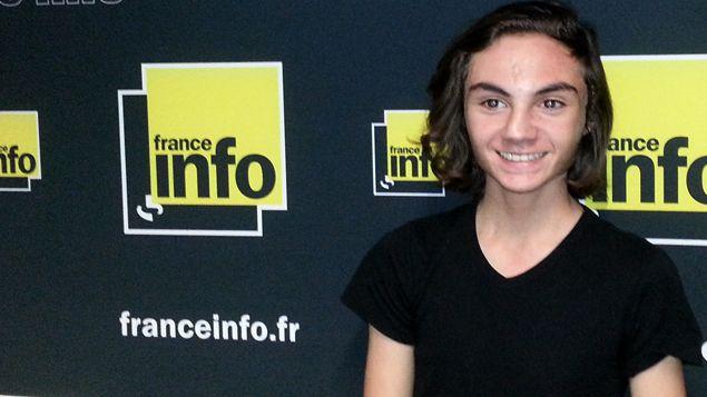 (Tom, quinze ans, lors de sa visite à France Info © RF/ Bruno Rougier)