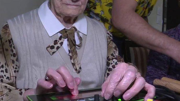 Insolite : Mireille Poisson, centenaire et fan de musique électronique (France 3)