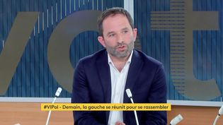"""Benoît Hamon, invité de """"Votre instant politique"""" sur franceinfo, le 16 avril 2021. (FRANCEINFO)"""