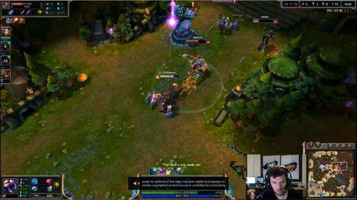 Capture d'écran d'une partie de League of Legendsdiffusée sur Twitch. (TWITCH / NARKUSS)