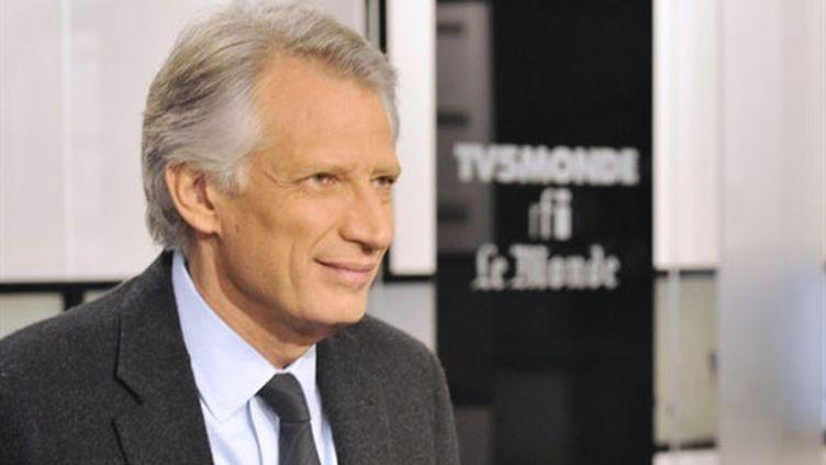 Dominique de Villepin sur le plateau de TV5-Monde (21 novembre 2010) (AFP / Boris Horvat)