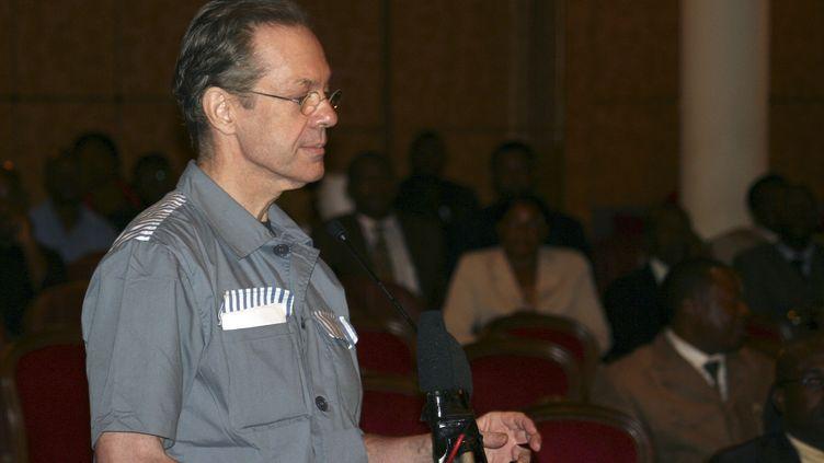 Le mercenaire Simon Mann lors de son procès le 20 juin 2008 après le coup d'Etat raté à Malabo le 20 juin 2004. (Reuters / Daniel Flynn)