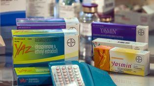 Plus de 10 000 plaintes ont été déposées aux Etats-Unis contre le laboratoire Bayer, qui produit ces pilules de quatrième génération. (PEER GRIMM / AFP)