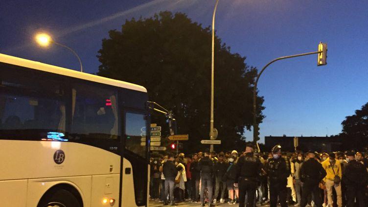 Le campement de migrants situé à Aubervilliers, en Seine-Saint-Denis, est évacué mercredi 29 juillet 2020. (SOLÈNE CRESSANT / FRANCE-INFO)