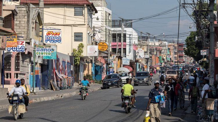Une rue de Port-au-Prince, à Haïti, le 12 avril 2021. (VALERIE BAERISWYL / AFP)