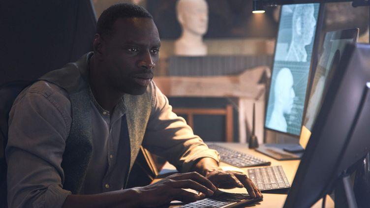 """Omar Sy surfe sur l'immense succès de la série """"Lupin"""" diffusée sur Netflix. (EMMANUEL GUIMIER/NETFLIX/ MAXPPP)"""