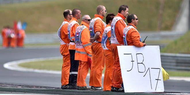 Les commissaires de course à Budapest rendent hommage à Jules Bianchi, et à son N.17 que plus personne ne portera en F1