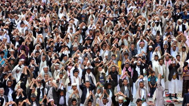 Manifestation de milliers de yéménites anti-gouvernementaux contre le régime de Sanaa, le 2 Septembre 2011 (AFP PHOTO / GAMAL NOMAN)