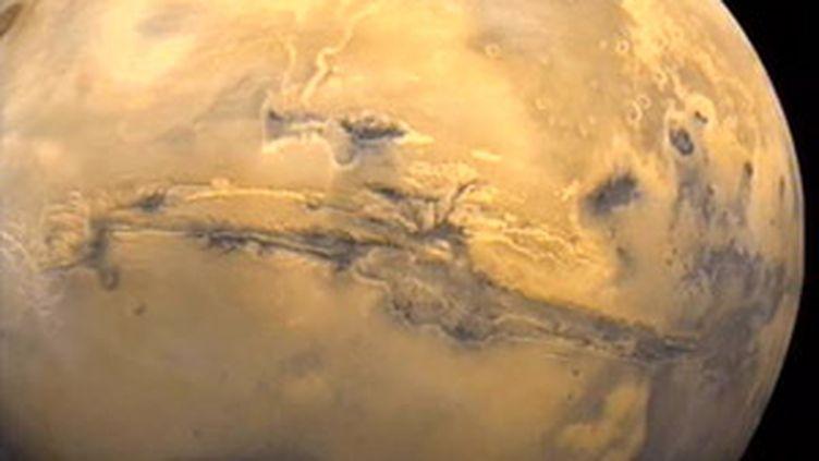 La planète Mars. Ici, les premières observations de flocons de neige. (F2)