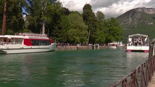 Pont de l'Ascension : escapade enchantée au bord du lac d'Annecy  (France 3)
