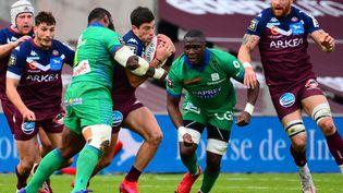 Lors de leur dernier affrontement, le 30 janvier dernier, l'UBB s'était imposé 37-36 face à Clermont. (MEHDI FEDOUACH / AFP)