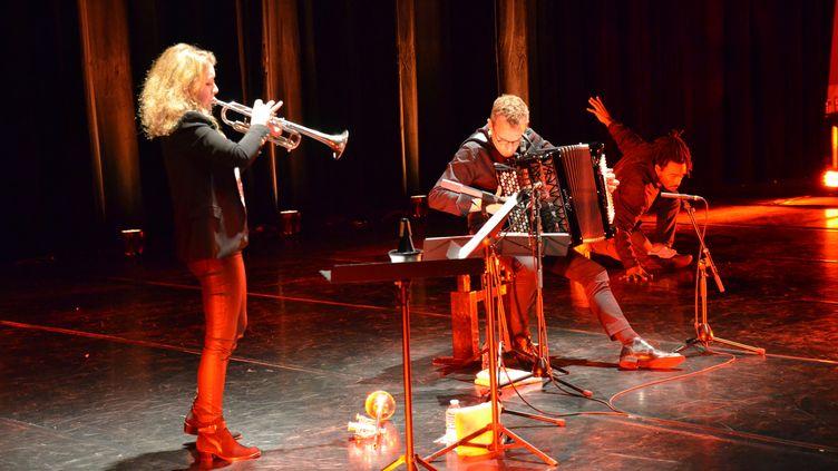Lucienne Renaudin Vary et Félicien Brut jouent ensemble au FestivalMétis (Festival Métis)