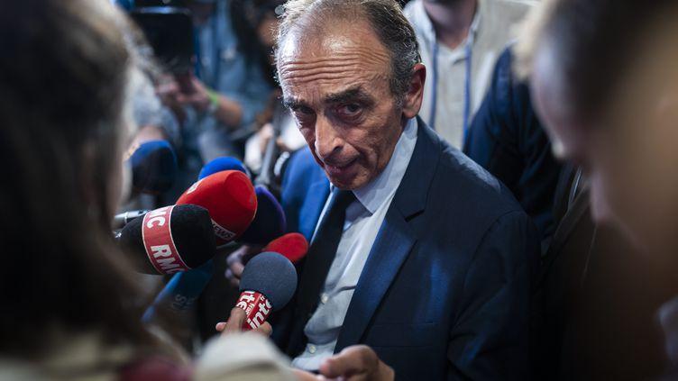 Le polémiste Eric Zemmour, le 19 octobre 2021 après un meeting à Versailles. (MAXPPP)