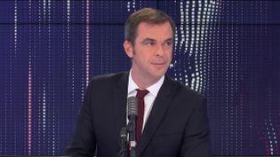 Le ministre des Solidarités et de la Santé Olivier Véran, invité de franceinfo jeudi 29 octobre 2020. (FRANCEINFO / RADIOFRANCE)