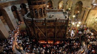 Décembre 2009, des pèlerinsà l'intérieur du Saint Sépulcre de Jérusalem (TARA TODRAS-WHITEHILL / AP / SIPA)