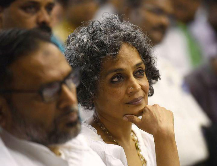 """Arundhati Roy lors de la """"Convention de la résistance du peuple"""" (avril 2016)  (ASHISH RAJE / THE TIME OF INDIA / THE TIMES OF INDIA)"""