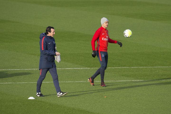 Hatem Ben Arfa et Unaï Emery à l'entraînement (LEON TANGUY / MAXPPP)
