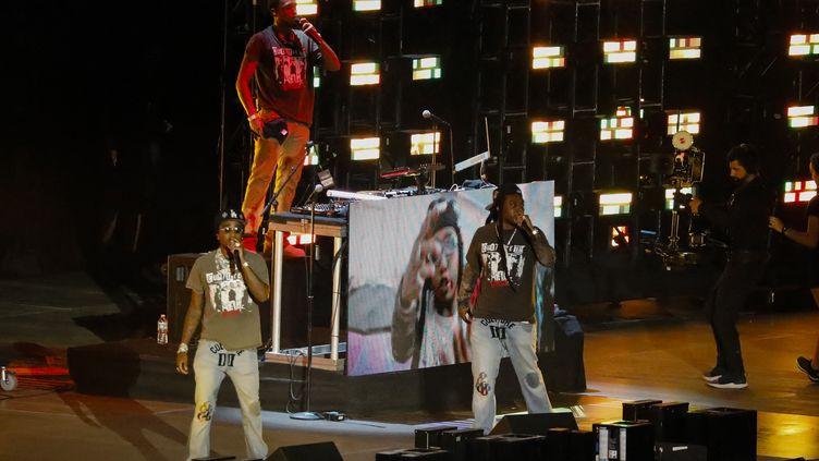 Le trio de hip hop américain Migos en concert au Hard Rock Stadium de Miami Gardens en Floride (Etats-Unis) le 12 juin 2021. (EVA MARIE UZCATEGUI / AFP)