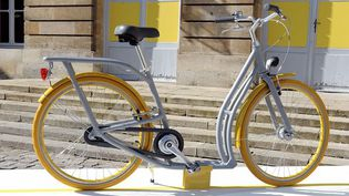 """""""Pibal"""", vélo-patinette conçu pour Bordeaux par Philippe Starck  (JEAN PIERRE MULLER / AFP)"""