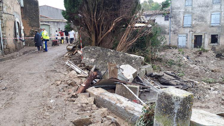 Villegailhenc ressemble par endroits à un champ de ruines. (VANESSA MARGUET / FRANCE-BLEU OCCITANIE)