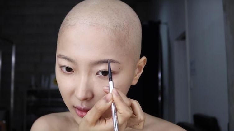Dawn Lee partage son combat contre le cancer sur Youtube (Capture d'écran d'une vidéo Youtube de Dawn Lee)