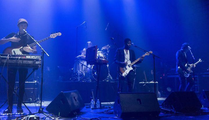 Le groupe Algiers d'Atlanta sur la scène du Casino de Paris le 11 novembre 2015.  (Nathalie Guyon / Studio France Télévisions)