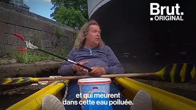 Lui, c'est Mark Kayak. Et tous les jours dans son kayak, il nettoie la Meuse. Pendant ce temps-là, à Namur en Belgique...