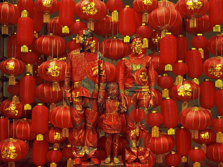 "Liu Bolin, ""Hiding in the City 107, Family Photo"", 2012  (Liu Bolin, courtesy of the artist / Galerie Paris-Beijing)"