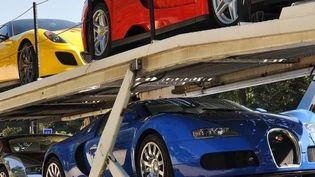 Des voitures de luxe du vice-président équato-guinéen Teodorin Obiang Nguema, saisies à Paris en octobre 2017. (TRANSPARENCY INTERNATIONAL FRANCE)