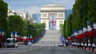 Avenue des Champs-Elysée, à paris, le 14 juillet 2014. (FRÉDÉRIC SOREAU / PHOTONONSTOP)