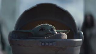 """Capture d'écran du 4 décembre 2019 du personnage de """"Baby Yoda"""" issue de la série """"The Mandalorian"""". (DISNEY / YOUTUBE)"""
