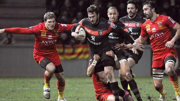 Maxime Médard (Toulouse) perce au coeur de la défense de Perpignan