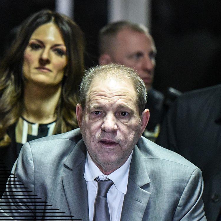 Harvey Weinstein et ses avocats quittent le tribunal de New York (Etats-Unis), le 7 janvier 2020. (STEPHANIE KEITH / GETTY IMAGES NORTH AMERICA)