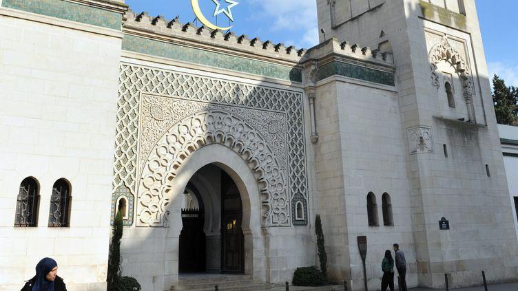 Vue de la façade de la Grande mosquée de Paris, en mars 2012. (MEHDI FEDOUACH / AFP)