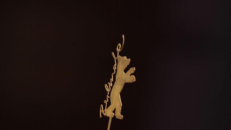 L'ours, logo de la Berlinale, 21 février 2020 (TOBIAS SCHWARZ / AFP)