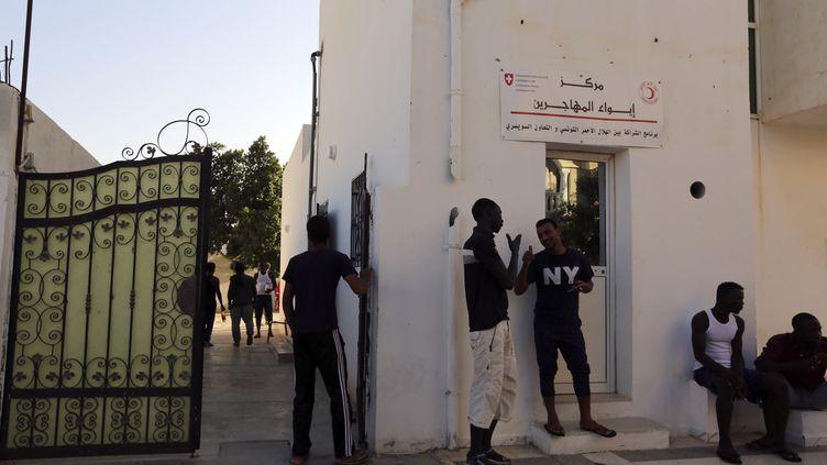 Un centre d'hébergement pour migrants à Médenine, en Tunisie, le 28 août 2018. (FATHI NASRI / AFP)