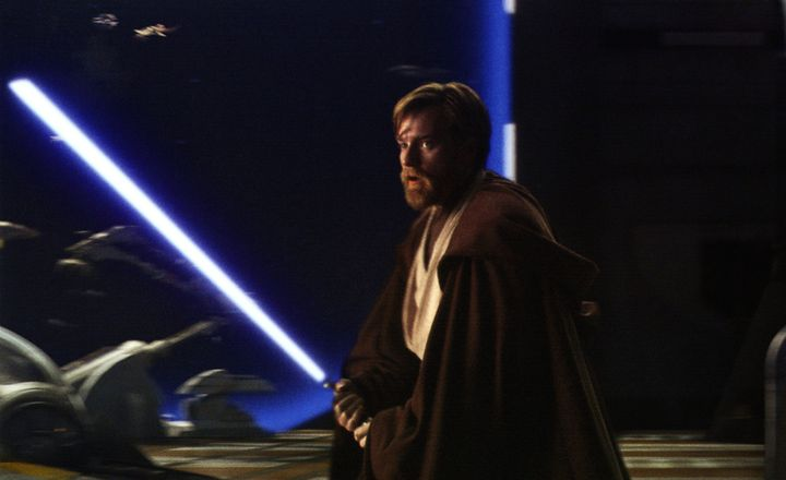 """Ewan McGregor en Obi-Wan dans """"Star Wars Episode 3, La revanche des Siths""""  (Lucasfilm / Archives du 7eme Art / Photo12)"""