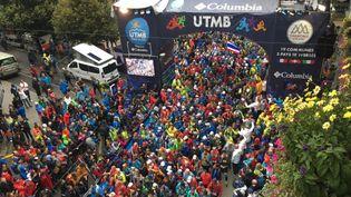 2300 coureurs ont pris le départ de l'ultra-trail du Mont Blanc, vendredi 31 août. (FRANCE 3 ALPES)