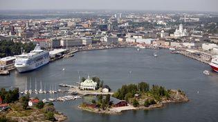 Vue aérienne du port d'Helsinki, en Finlande, en juin 2006 (illustration). (PEKKA SAKKI / LEHTIKUVA)