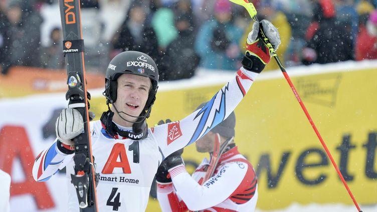 Le jeune skieur français de 22 ans, Clément Noël, sera-t-il capable de succéder à la légende autrichienne, Marcel Hirscher ? (HERBERT NEUBAUER / AFP)